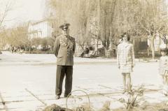 """У Мемориала """"Вечный Огонь"""", 1975 год"""