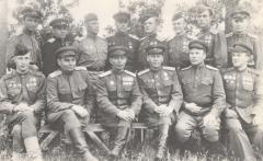 Групповое фото после награждения орденами, Латвия, лето 1945 года