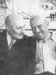 Прикрепленное изображение: Г.Н.Сатиров (слева) с министром культуры Северо-Осетинской АССР М.Хуцистовым, однокашником по ральному училищу.jpg
