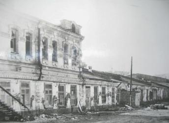 Прикрепленное изображение: Здание Техникума механизации сельского хозяйства после освобождения Георгиевска от фашистских захватчиков в январе 1943 года.jpg