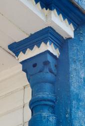 Прикрепленное изображение: Капитель полуколонны крыльца Богородицкой церкви в станице Лысогорская.jpg