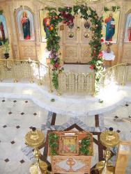 Прикрепленное изображение: Интерьер храма Святой Троицы с.Краснокумского.jpg