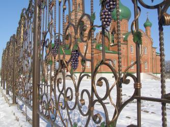 Прикрепленное изображение: Незлобная - фрагмент ограды церковного двора.JPG