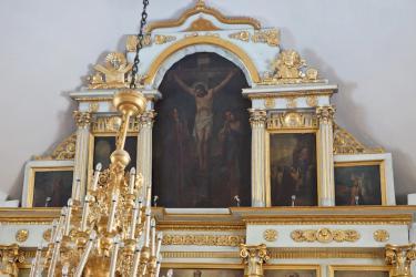 Прикрепленное изображение: Икона Распятия в завершении иконостаса Никольского собора в городе Георгиевск.jpg