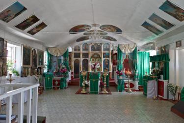 Прикрепленное изображение: Вид на иконостас Архангельского молитвенного дома в станице Незлобная.jpg