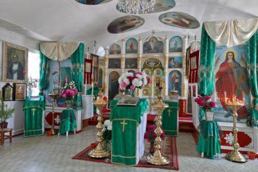 Прикрепленное изображение: Иконостас Архангельского молитвенного дома в станице Незлобная.jpg