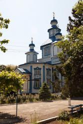 Прикрепленное изображение: Церковь Рождества Пресвятой Богородицы в станице Лысогорская, вид на алтарную часть.jpg