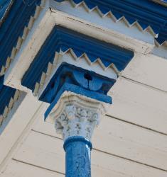 Прикрепленное изображение: Капитель колонны крыльца Богородицкой церкви в станице Лысогорская.jpg