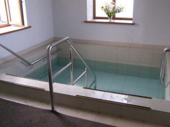 Прикрепленное изображение: купальня в часовне.jpeg